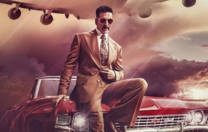 Akshay Kumar looks retro chic in these new photos from Bell Bottom set