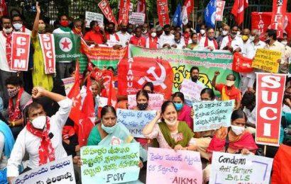 Farmers stage protest against Farm Bills