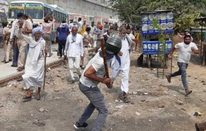 Farmers lathicharged at Pipli near Kurukshetra for defying prohibitory orders, finally given nod to hold rally