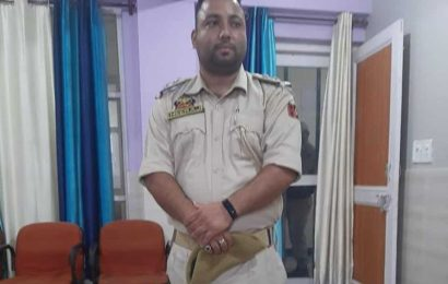 Man held for impersonating cop in J&K