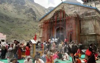 Protests banned within 200 m of Kedarnath shrine; won't budge, say priests