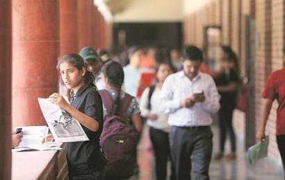 Two days after FYJC admissions halted, school education dept says waiting for govt directives