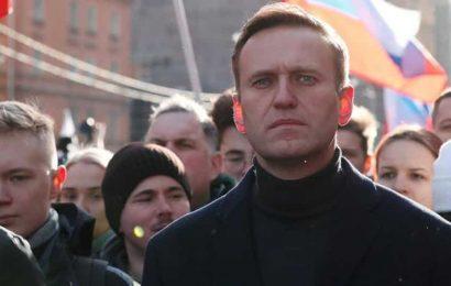 UK urges probe into 'pure gangsterism' Navalny poisoning