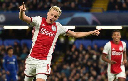 Van de Beek to wear former Ajax team mate Nouri's number at Manchester Utd