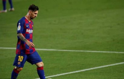 Barcelona fans relieved after Messi says he will stay