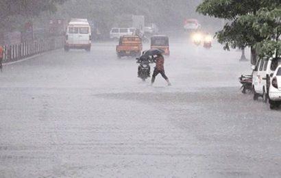 Rain, thunderstorm & lightning take Pune by surprise