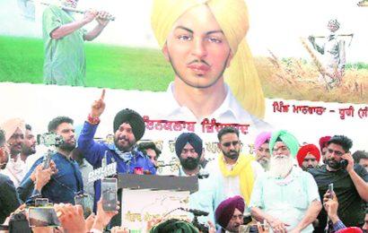 'Don't let political parties exploit you': Navjot Singh Sidhu urges farmers to contest polls