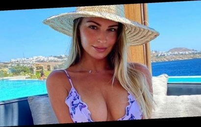 Zara McDermott strips to bikini in latest attempt to win back Sam Thompson with cryptic post