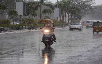 IMD predicts heavy rainfall in parts of South India; Red alert for coastal Karnataka