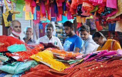 Gani textile market sees brisk business ahead of Deepavali