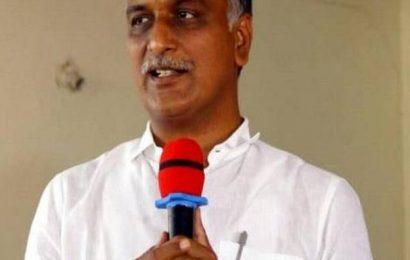 TRS, BJP continue to spar at Dubbak