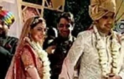 [PICS] Kajal Aggarwal and Gautam Kitchlu look like a match made in heaven as they take saat pheras at their fairytale wedding