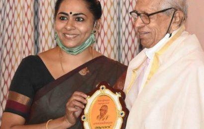 Governor, CM greet Sanoo as he turns 94