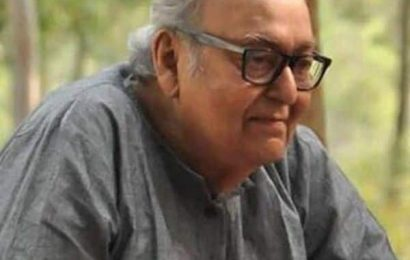 Actor Soumitra Chatterjee in critical condition; battling COVID-19 on a ventilator