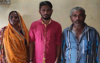 Farmer's son cracks JEE Advanced, says MS Dhoni's struggle inspired him