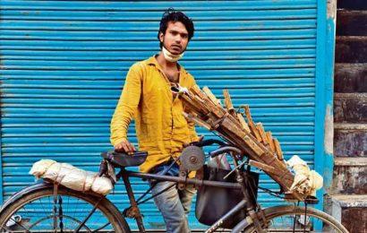 Delhiwale: Portrait of a knife sharpener