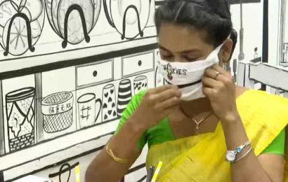 Restaurant in Kolkata provides customers with zip masks