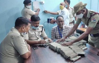 In poll-bound Bihar, police seize Rs 65 lakh from 2 vehicles in Kishanganj