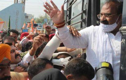 Police detain BJP leaders in Jalandhar after launch of Insaaf March against Amarinder govt