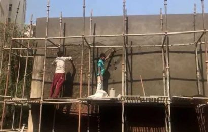 Zirakpur builder encroaches upon road to erect sales office