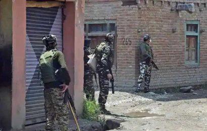 Hours after gunbattle in J-K's Kulgam, 2 terrorists killed in Pulwama
