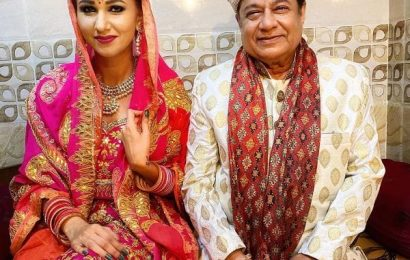 Bigg Boss 12's Jasleen Matharu shares pictures with Anup Jalota in wedding attire leaving fans in a shock