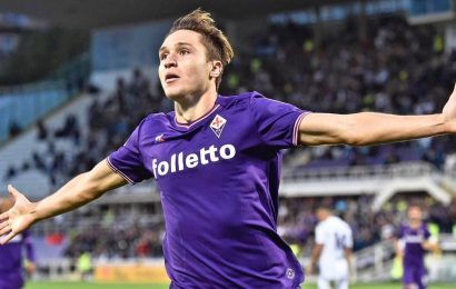 Juventus sign Fiorentina winger Federico Chiesa in €50 million deal