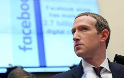 Facebook anticipates tougher 2021 even as Covid-19 pandemic boosts ad revenue