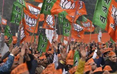 BJP organises 'hulla bol' march in Bengal seeking CBI probe into Manish Shukla murder case