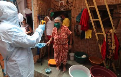 Mumbai slum dwellers protest poor quality food at quarantine centre