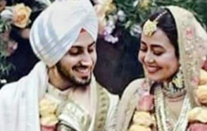 FIRST PICS: Neha Kakkar and Rohanpreet Singh's wedding look will remind you of Virushka