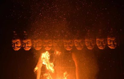 Covid-19 safety protocols flouted during Dussehra celebrations in West Bengal