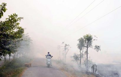 Delhi AQI moves closer to 'poor' as stubble burning begins in Haryana, Punjab