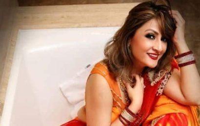#NehuPreetWedding: Urvashi Dholakia rocks a traditional ensemble for the wedding festivities
