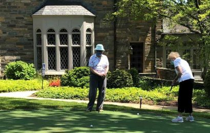 Retirees at Knollwood in Washington use military principles to stay healthy