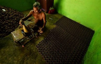 Traditional lamp-makers in Tiruchi face uncertain future