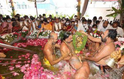 'Panchami Theertham' brings curtains on Padmavati temple fete