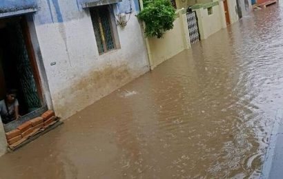 Colonies in Kadiri inundated as heavy rain lashes Anantapur