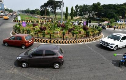 Traffic signal sought at Park Gate junction roundabout