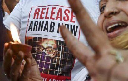 Supreme Court extends Republic TV Editor-in-Chief Arnab Goswami's interim bail
