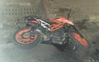 Helmetless Chandigarh man killed as bike skids in attempt to catch green signal