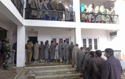 40% polling till 1pm in first phase of J&K's District Development Council elections