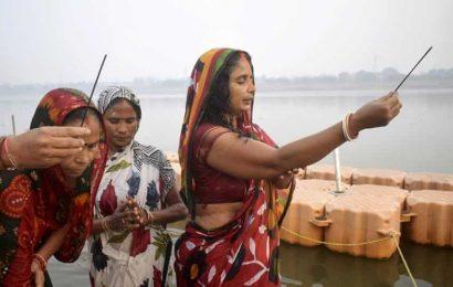 No Chhath puja at two main water bodies in Kolkata, rule Supreme Court, Calcutta HC