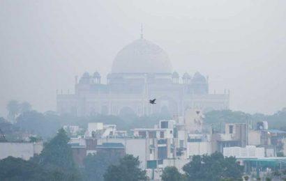 'Very poor' tag for Delhi's air as IMD predicts foggy Diwali