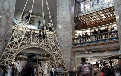 Locked-down France inches toward 'Black Friday' postponement