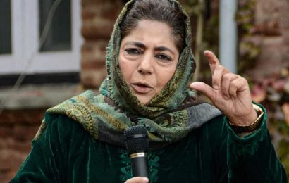 Mehbooba calls for dialogue with Pak
