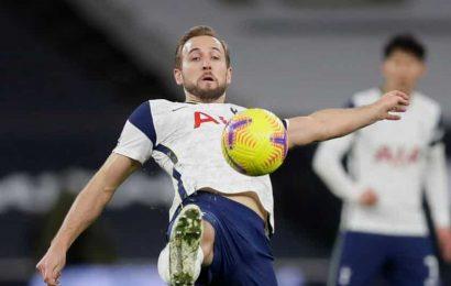 Kane drops deeper to propel Spurs to Premier League summit