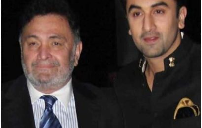 Did you know Rishi Kapoor wanted to work with son Ranbir Kapoor in the remake of THIS blockbuster?