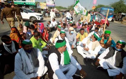 News updates from Hindustan Times: Farmers in western UP block highways in support of 'Chalo Dilli' march and all the latest news