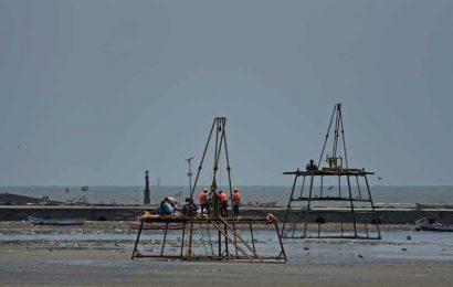 Verify allegations of violations at Juhu for new sea link: Maharashtra coastal authority to MSRDC, Mumbai suburban collector